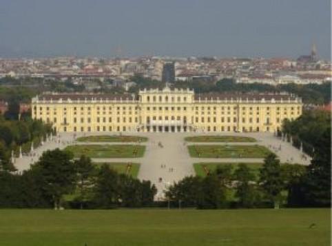 Soggiorno di lusso e Tour di Vienna in cabriolet per due   E-Voucher