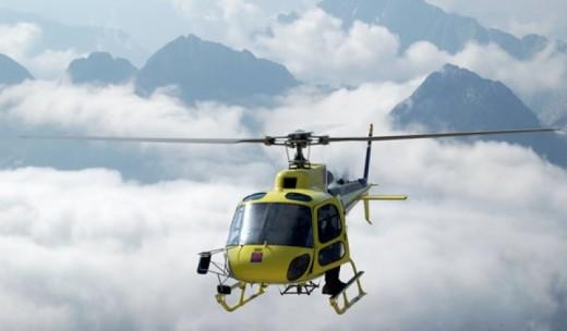Elicottero Notte : Pilota di elicottero itinerario volo personalizzato