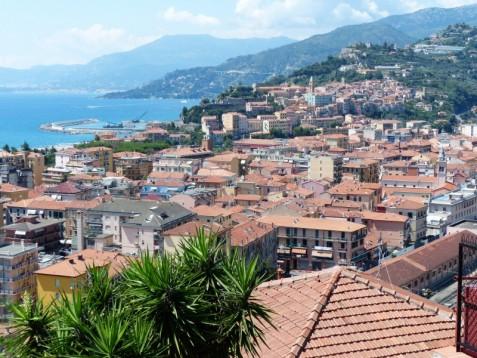 Soggiorno sul mar ligure 2 giorni di completo relax sul for Soggiorno in liguria